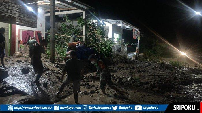 Bencana Tanah Longsor Terjadi di Empat Lawang, Akses Jalan Sumsel-Bengkulu Sempat Terputus