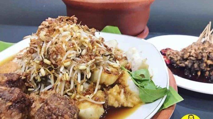 Wajib Cicipi 4 Kuliner Khas Ini Jika Anda Jalan-jalan ke Surabaya - lontongjpeg.jpg
