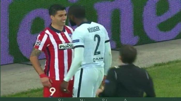 Atletico Madrid Tumbang Oleh Chelsea, Luis Suarez Malah Nyengir Saat Diajak Ribut Bek Lawan