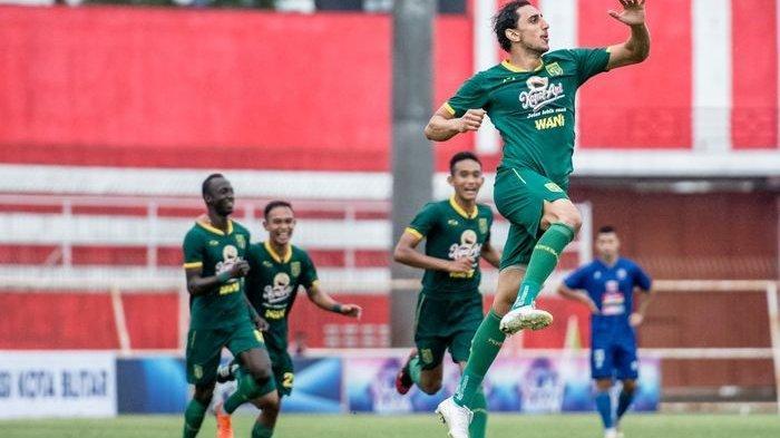 VIDEO Momen Selebrasi Provokasi Mahmoud Eid di Final Piala Gubernur Jatim Setelah Itu Ditarik Keluar