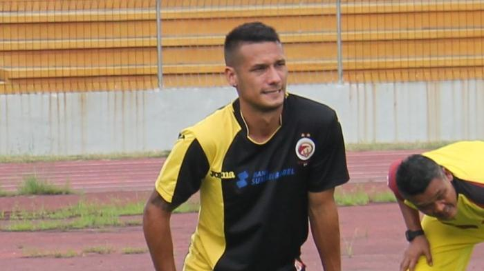 Kerap Cedera Kambuhan Namun Suporter Rekomendasikan Sriwijaya FC Rekrut Raphael Maitimo