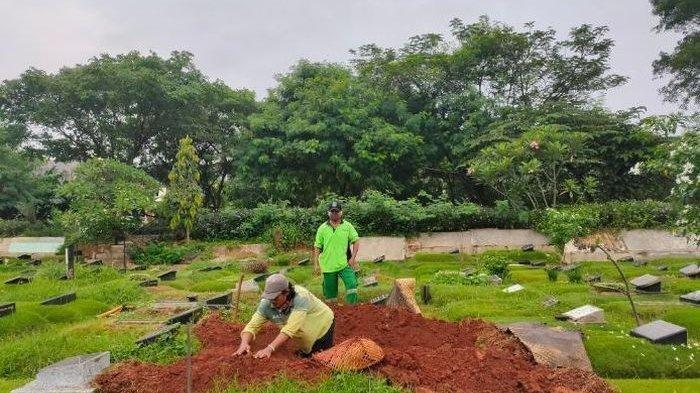 Kesaksian Penggali Kubur Rina Gunawan, Cara Istri Teddy Syach Dimakamkan di TPU Tanah Kusir Terkuak