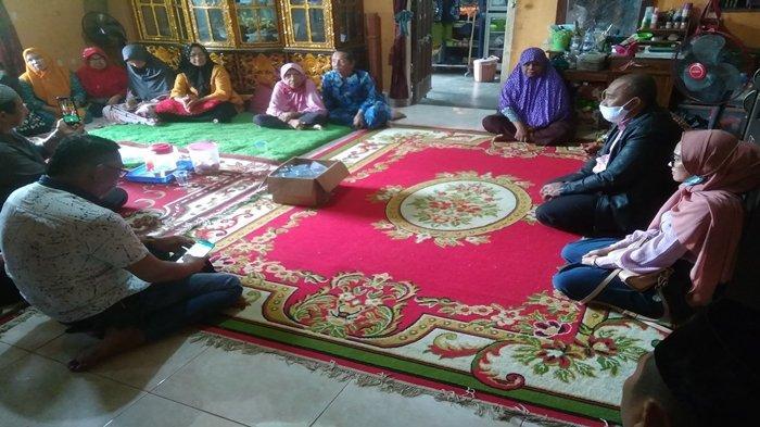Ternyata Banyak yang Menyukai Indah, Pelayat Berdatangan ke Rumah Penumpang Sriwijaya Air SJ 182