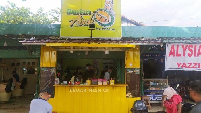 Salah satu cabang dari Durian Abah Palembang yang berlokasi di kawasan Dmeang Lebar Daun, Bukit Lama, Palembang.