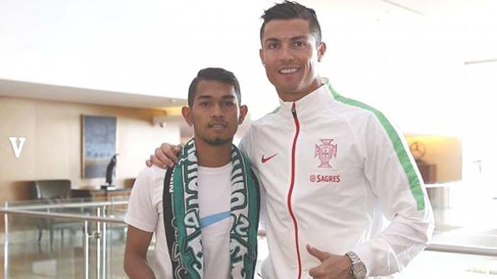 Sempat Ditawar Deddy Corbuzier Rp 80 Juta, Martunis Kini Lelang Jersey Pemberian Cristiano Ronaldo