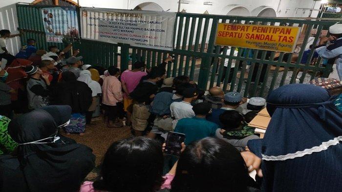 Hindari Kerumunan, Masjid Agung Palembang Potong Hewan Kurban Pukul 03.00 Dini Hari