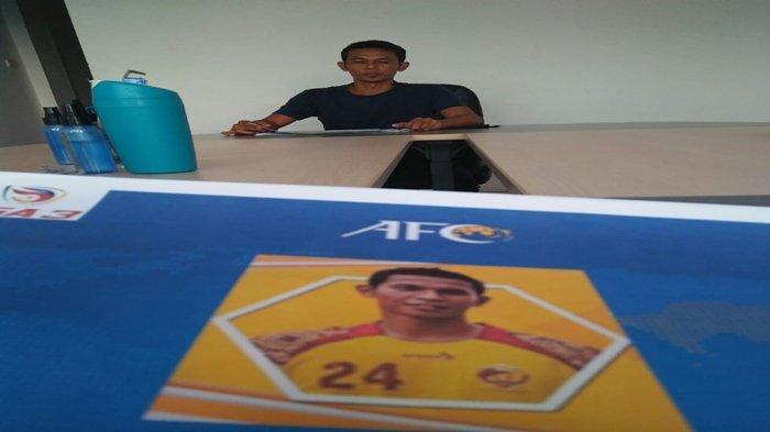 Mahyadi Panggabean saat mengikuti seleksi calon pelatih di Sekretariat PS Palembang.