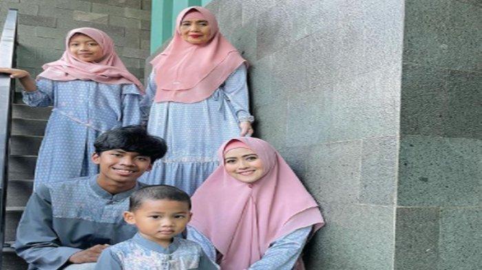 Meggy Wulandari dan anak-anaknya