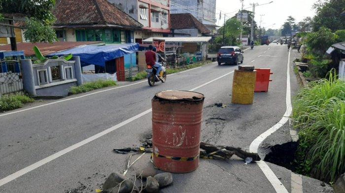 Pengendara Diminta Waspada Saat Melintas di Jalan RE Martadinata