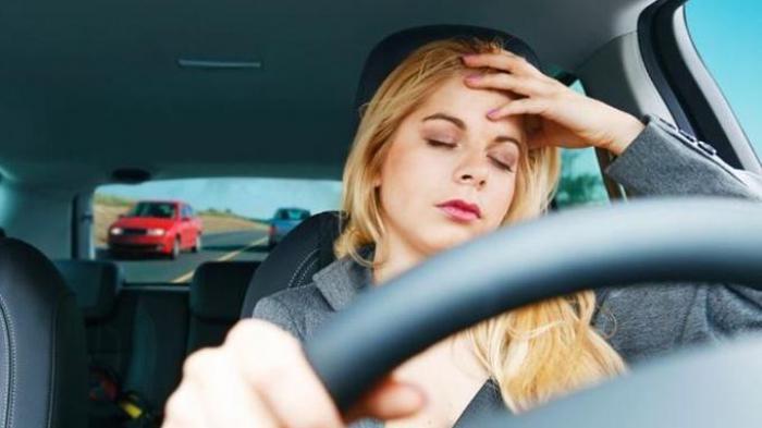 TIPS Mengemudi Mobil dengan Aman Bagi Wanita, Ingat Bahaya Jika Gunakan High Heels
