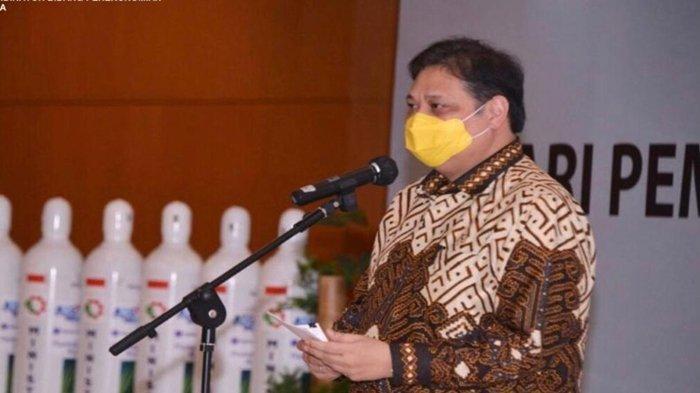 Menko Airlangga Hartarto Lepas Bantuan 2000 Tabung Gas Oksigen Tahap 2 Untuk India