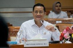 Menteri Sosial Juliari Batubara Catut Rp10.000 Per Paket Bansos Covid-19