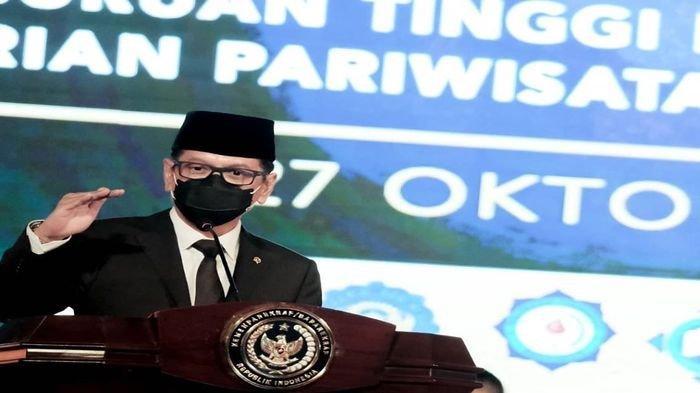 Menparekraf Wishnutama Ucapkan Selamat Kepada Wisudawan Poltekpar Palembang