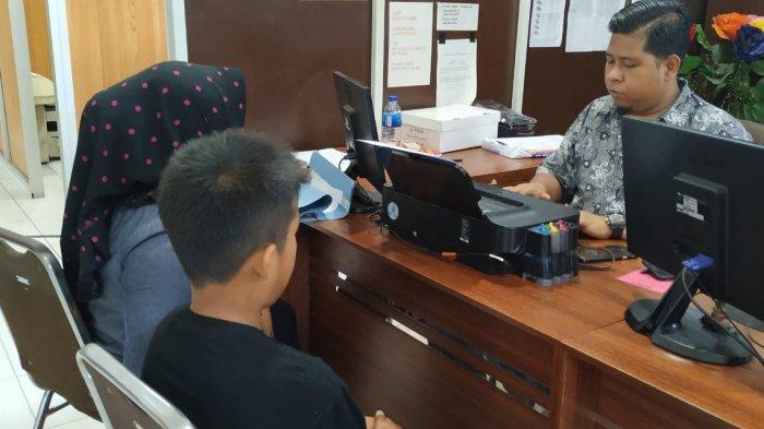 Tak Terima Anak Dituduh Maling Ayam dan Dianiya, Ibu di Palembang Ini Lapor Polisi