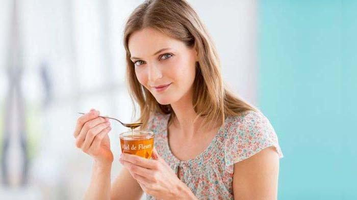 Inilah 5 Cara Membedakan Madu Palsu dan Madu Asli: Dipanaskan dengan lilin dan Disiram Air Putih