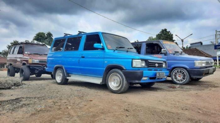 Mobil Komunitas Pencinta Mobil Kijang Super&Grand; Toyota Indonesia (KPMKSG-TI)