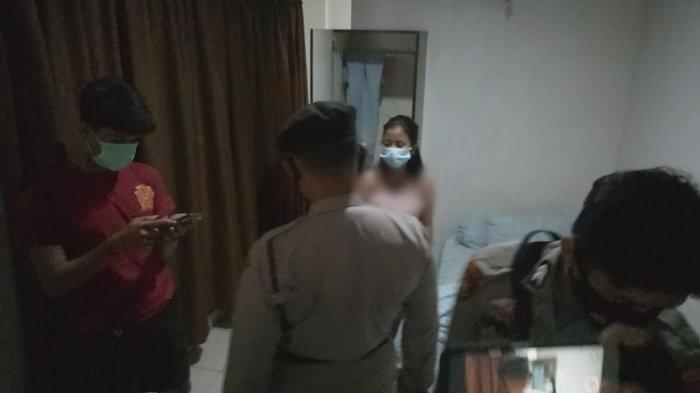 Lampu Kamar Gelap, Setelah Dibujuk Petugas, Muda-mudi di Palembang Buka Pintu : Kepergok Ngamar