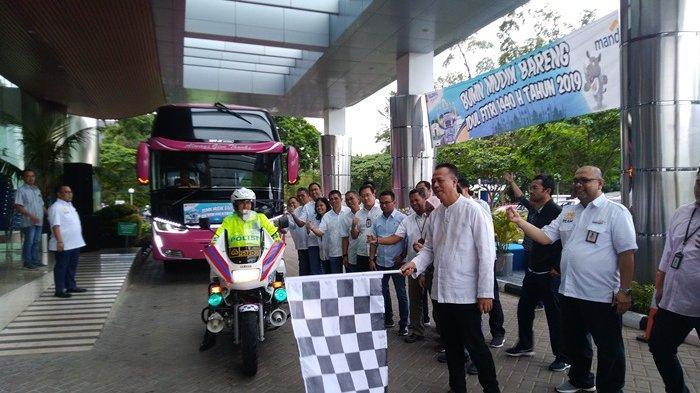 Bank Mandiri Regional 2 Berangkatkan 80 Pegawai,Nasabah Beserta keluarga Dalam Program Mudik Gratis