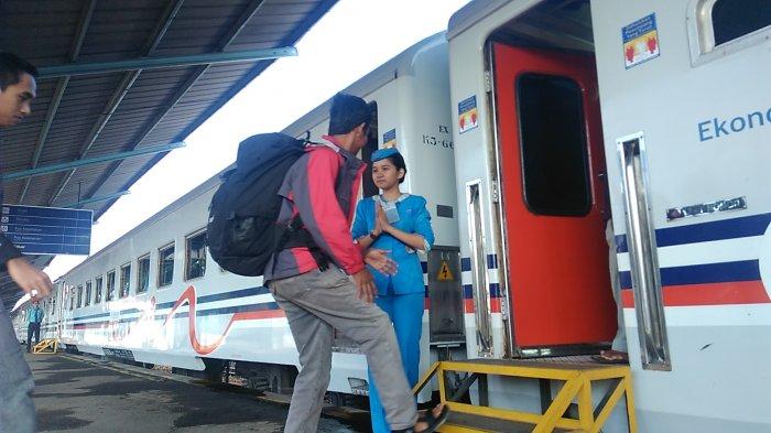 Mau Aman dan Nyaman Membawa Barang Saat Traveling Naik Kereta Api? Ini Tipsnya