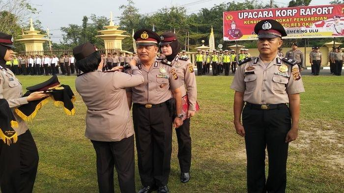 Kasubag Humas Polres OKU Berpangkat Komisaris Polisi, Dua Bintara Tinggi Naik Setingkat Jadi Perwira