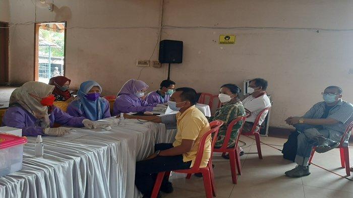 Umat Nasrani di Palembang Jalani Vaksinasi Covid-19, Tokoh Agama dan Lansia Jadi Prioritas
