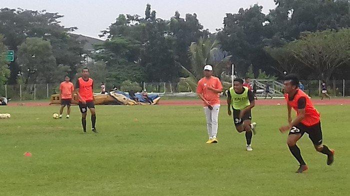Intip Cara Nil Maizar Melatih Sriwijaya FC, Dari Teriakan Sampai Hukuman Keliling Lapangan