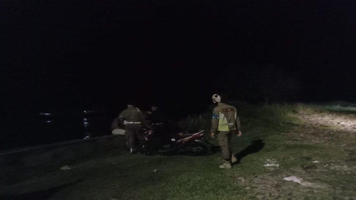 Malam-malam Nongkrong di Tengah Hujan, Belasan Pemuda Dibubarkan Sat Pol PP Lahat