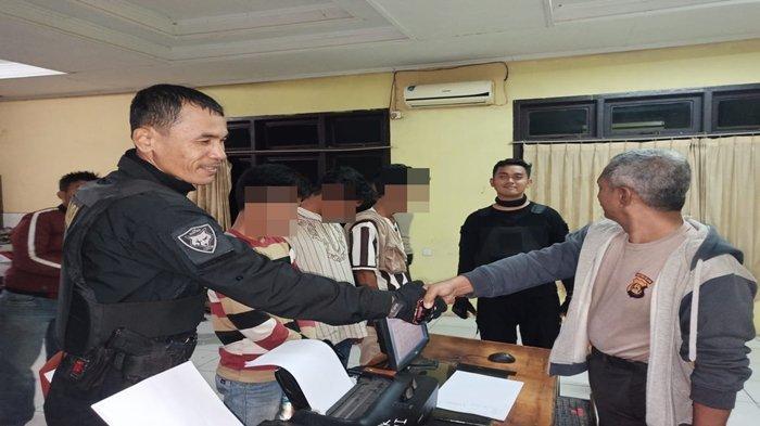 Tim Hunter Alfa Sat Sabhara Polrestabes Palembang Tangkap Tiga Pemuja Sabu di Sukarami