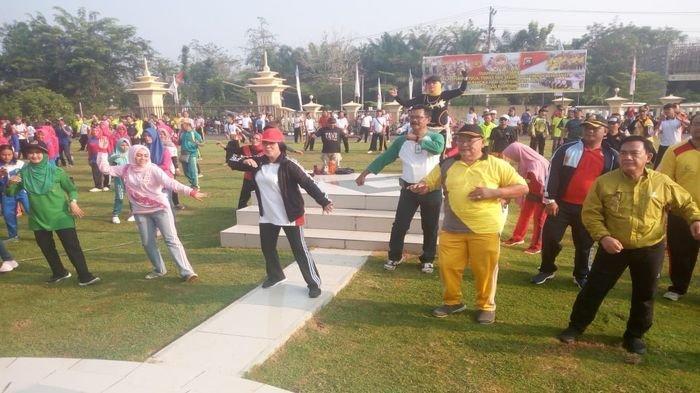 Meriahkan HUT Polri ke-73, Anggota TNI-Polri dan Elemen Mayarakat di OKU Gelar Olahraga Bersama
