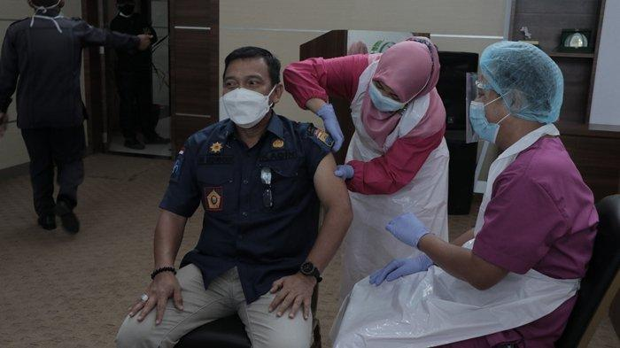 Pasca 30 Pejabat di Palembang Divaksinasi Covid-19, Harnojoyo Minta Kuota Vaksin Sebanyak Mungkin