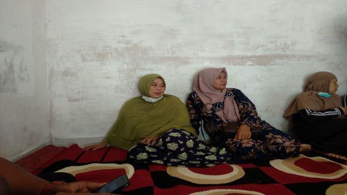 Rumah Rion Penumpang Sriwijaya Air SJ 182 Terus Didatangi Tetangga, Ayah & Keluarga ke Jakarta