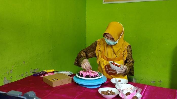 Cerita Pengusaha Kuliner di Palembang Buat Brownies Sambut Hari Valentine Meningkat Berikut Harganya