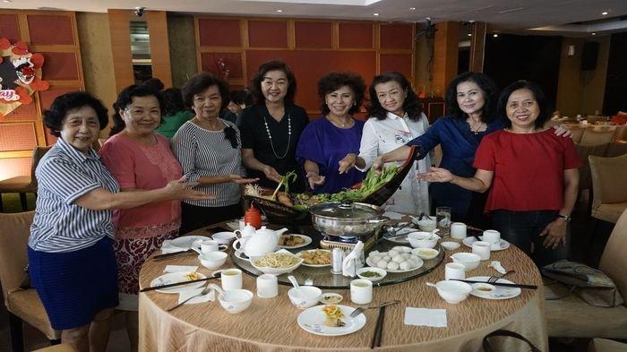 Manajer dan Kepala Koki Restoran Jade Dragon Star Palembang Buka-bukaan Resep Shabu-shabu