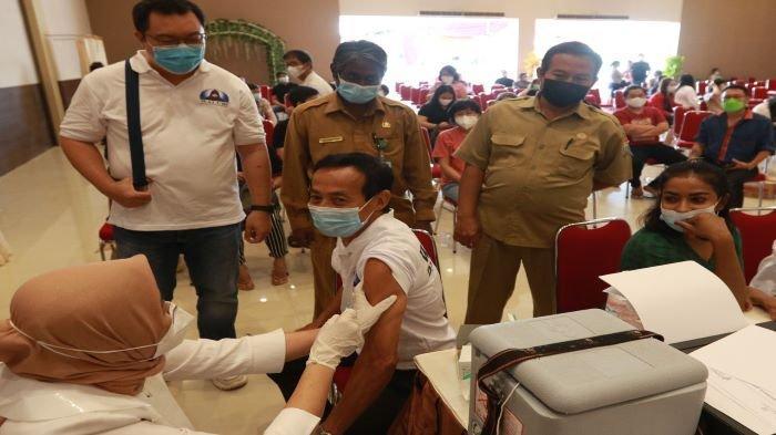Kerjasama Dinkes Palembang Paguyuban ANXI Sumsel, 350 Tokoh Agama dan Warga Disuntik Vaksin Covid-19
