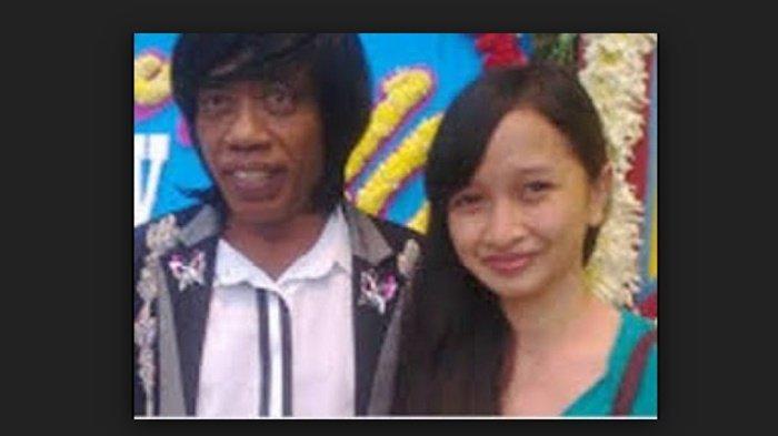 Pak Tarno dan istrinya yang merupakan seorang pramugari