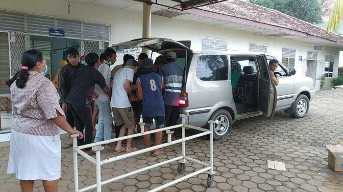 2 Truk Kecelakaan di Jalan Palembang-Betung, Sopir & Kernet Truk Tangki Dilarikan ke Palembang