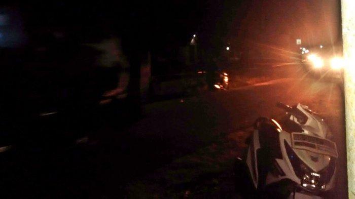 Naik Mobil Bak Terbuka di Malam Takbiran, Warga Takbiran Keliling Kota