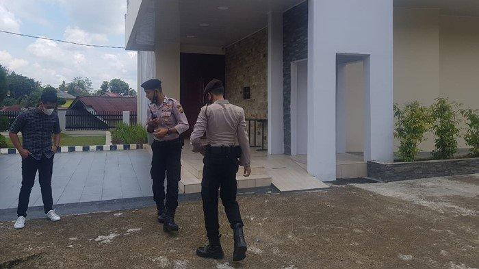 Antisipasi Teroris, Sat Shabra Polres Muara Enim Tingkatkan Patroli Seputaran Gereja