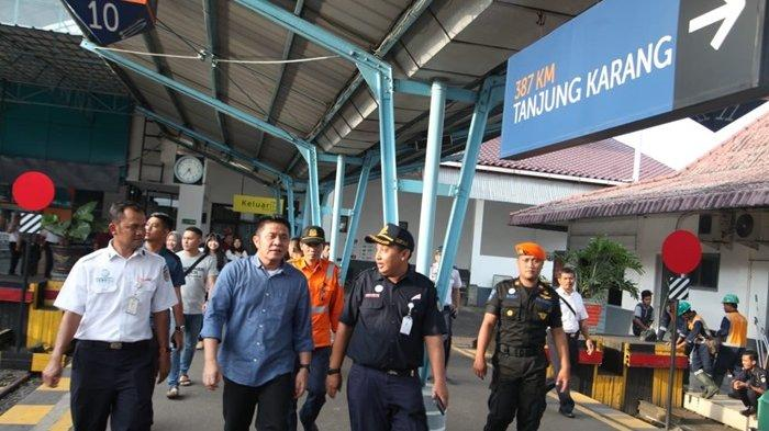 Herman Deru Lega Pemudik Pilih Jalur Darat karena Infrastruktur Membaik - pantau-arus-mudik1.jpg