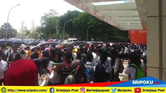 Berita Palembang: Ribuan Pelamar Ikuti Seleksi Awal Penerimaan CPNS 2018 Kemenkumham di PSCC