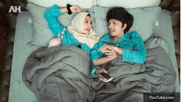 Bicara Soal Ranjang, Atta Halilintar Blak-blakan Bongkar 'Aib' sang Istri, Syok Lihat Tingkah Aurel