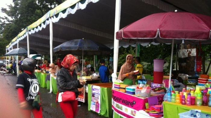 Suasana Kemeriahan Pasar Rakyat