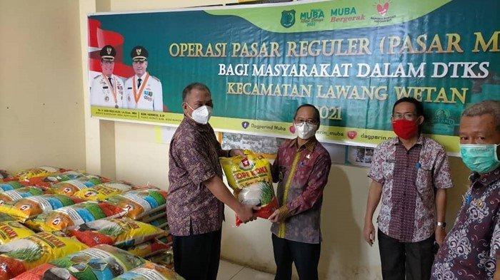 Masyarakat Dapat Subsidi 60 Persen dari Pemkab Muba,Sediakan1.289 Paket Sembako Murah