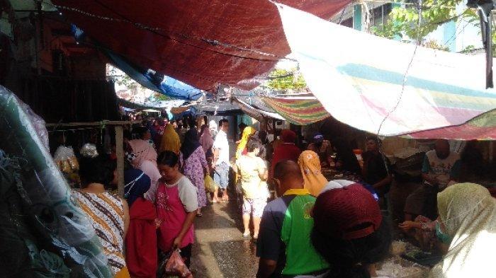 Sehari Jelang Lebaran, Pasar Silaberanti Diserbu Pembeli,  Tapi Sayang Banyak Warga tak Pakai Masker