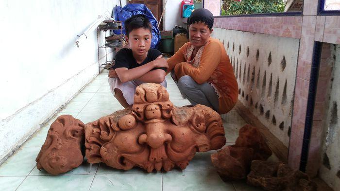 Warga Temukan Patung Kepala Singa di Desa Bingin Jungut
