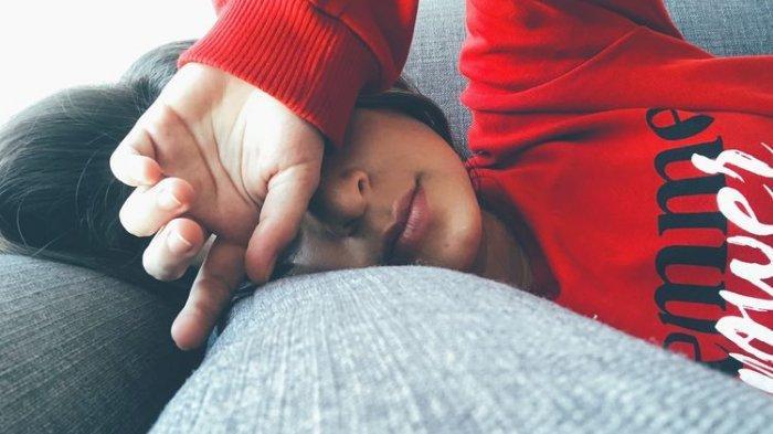 JANGAN Panik Jika Tubuh Terasa Panas dan Lemas Saat Puasa? Ternyata Ini Penyebabnya