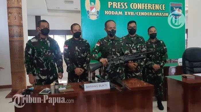 KEPERGOK Bawa 5 Senjata Buatan AS, 2 Anak Buah KKB Papua Disergap di Sungai: Bukan Milik TNI-Polri