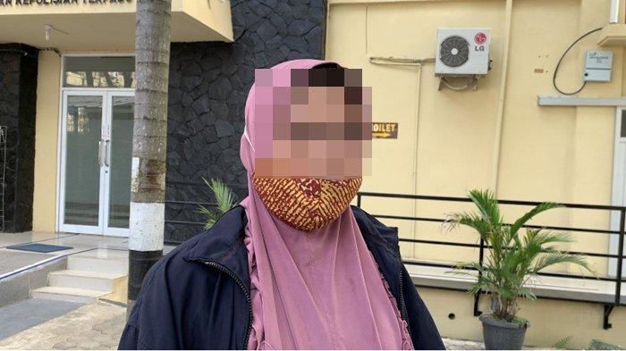 Pedagang Masker di Pasar 16 Ilir Palembang Ini Sebut Sering Diancam Oknum Jukir, Padahal Sudah Bayar
