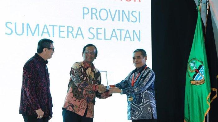 Berhasil Bina Daerah Peduli HAM, HD Dinobatkan Sebagai Kepala Daerah  Peduli HAM  Se-Indonesa