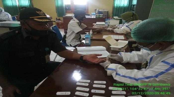 Pastikan Bebas Covid-19, 114 Pegawai SMK PP Negeri Sembawa Jalani Rapid Test